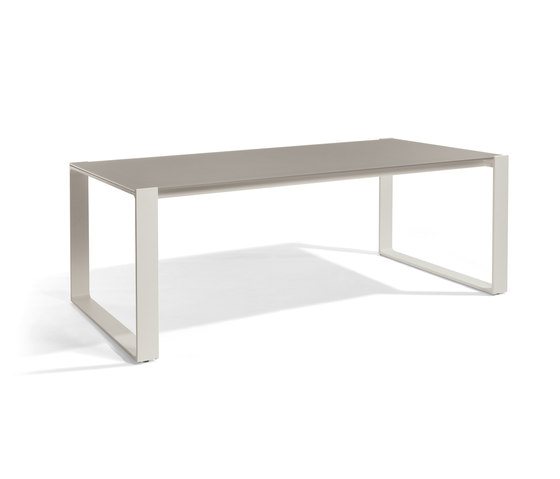 Prato Rectangular dining tables by Manutti | Dining tables
