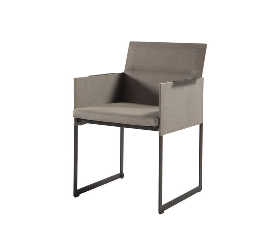 Squat dining chair by Manutti | Garden chairs