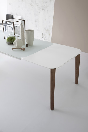 Match by Bonaldo | Dining tables