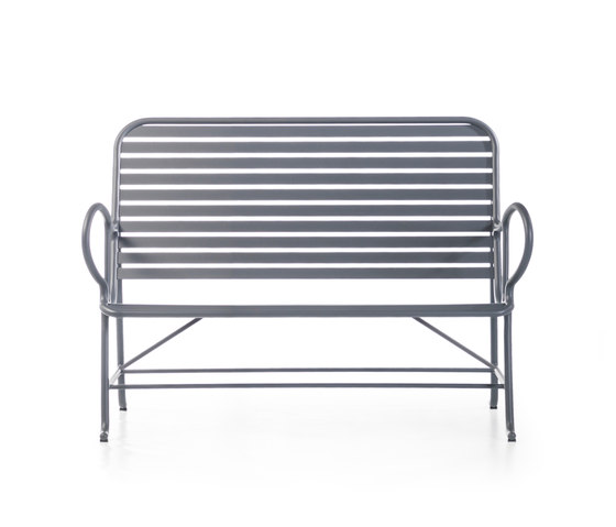 Gardenias Bench by BD Barcelona | Garden benches