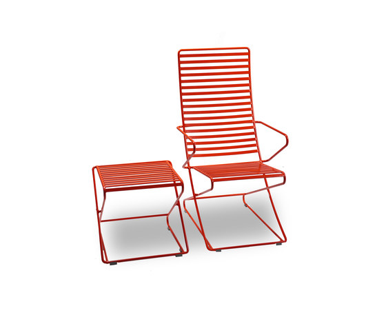 Parc Lounge with arms by Landscape Forms | Exterior chairs