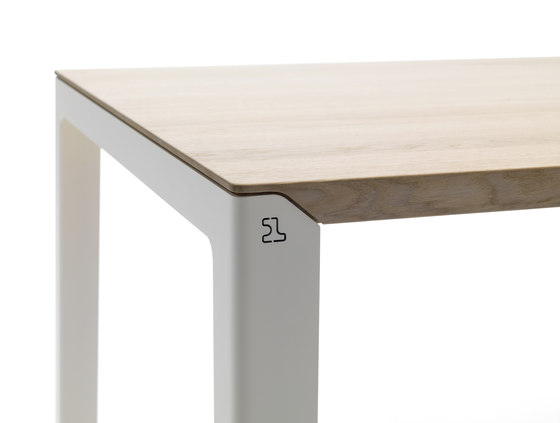 Kalia by Leolux | Dining tables
