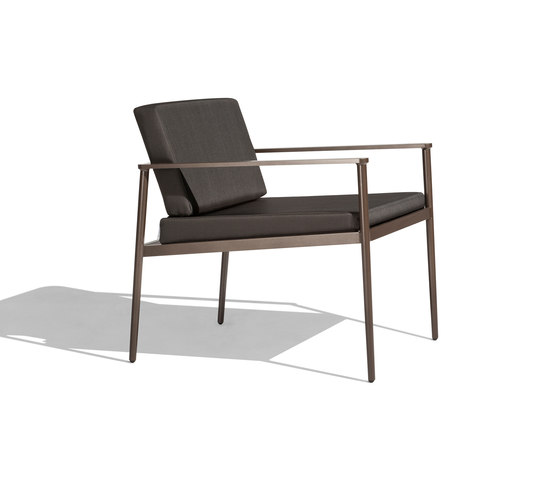 Vint low armchair by Bivaq | Garden armchairs