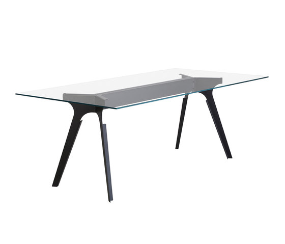 Step Metal Table by GAEAforms | Restaurant tables