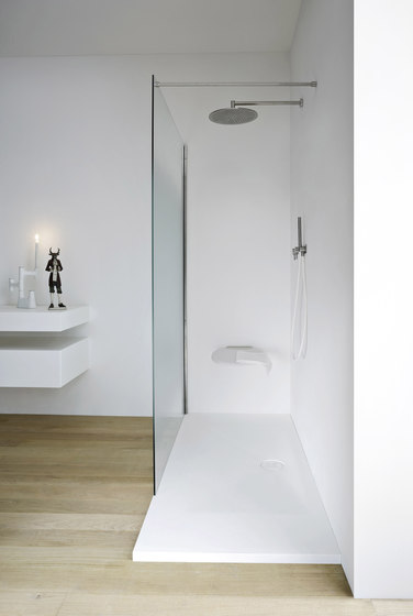 Unico Shower tray and closing by Rexa Design | Shower screens