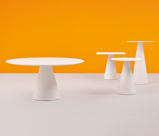Ikon table by PEDRALI | Dining tables