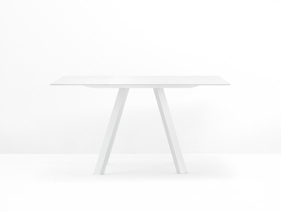 Arki-Table Ark 139x139 by PEDRALI | Meeting room tables