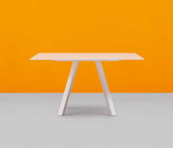 Arki-Table 139x139 by PEDRALI | Meeting room tables
