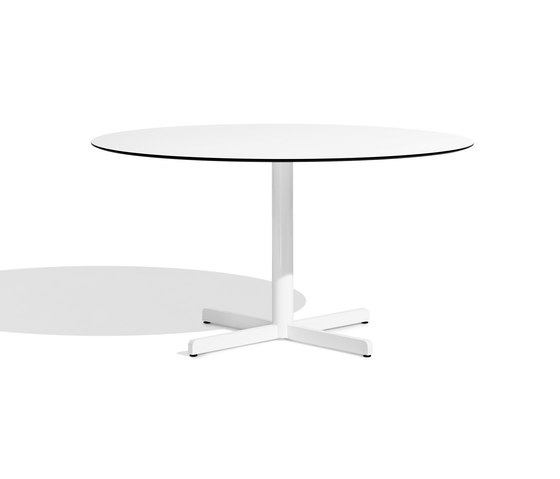 Sit central leg table 140 by Bivaq | Dining tables