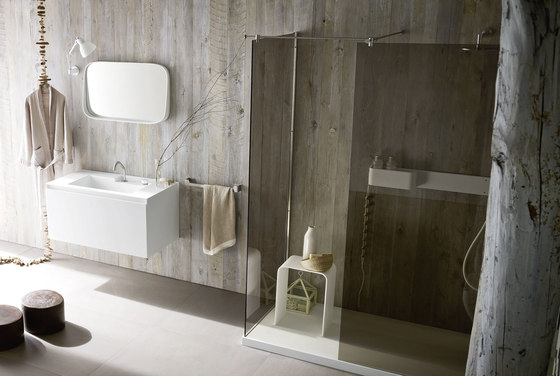 Ergo_nomic Shower tray and enclosure by Rexa Design | Shower screens