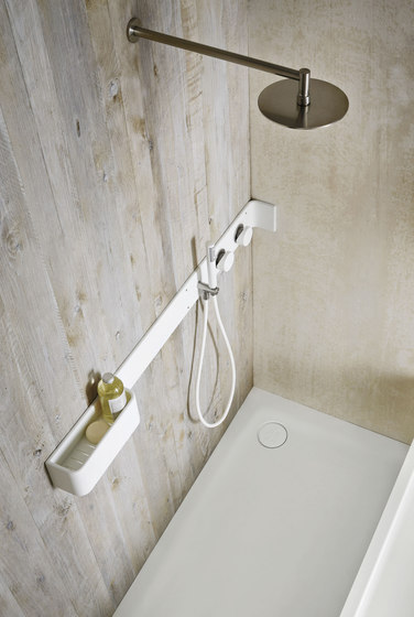 Ergo_nomic equipped shower shelf by Rexa Design | Bath shelves