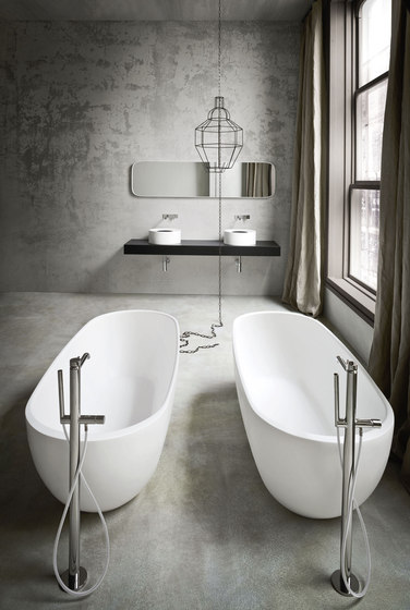 Hole Bathtub by Rexa Design | Free-standing baths