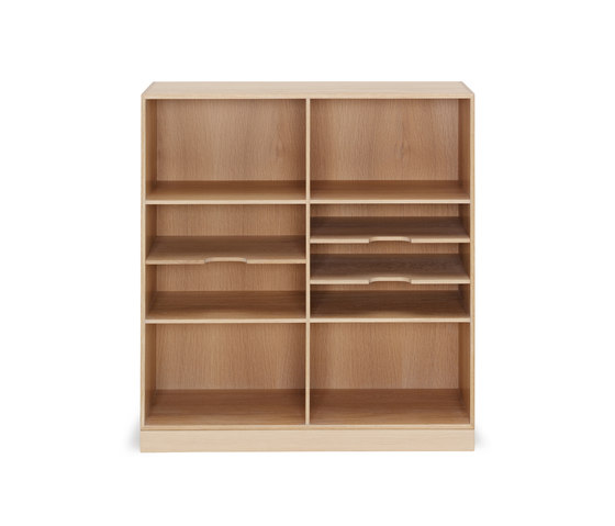 MK40880 by Carl Hansen & Søn | Shelving systems