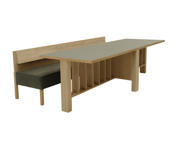 Amarinz bench by Pilat & Pilat   Waiting area benches