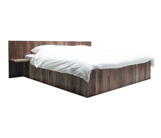 Ward bed by Pilat & Pilat | Double beds