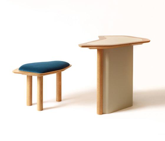 Confessional Vanity Table de Karen Chekerdjian   Bureaux