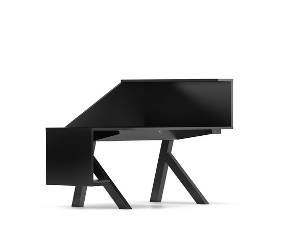 C5 Stealth.Station by Ragnars | Individual desks