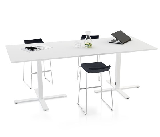 VX conference table by Horreds | Meeting room tables