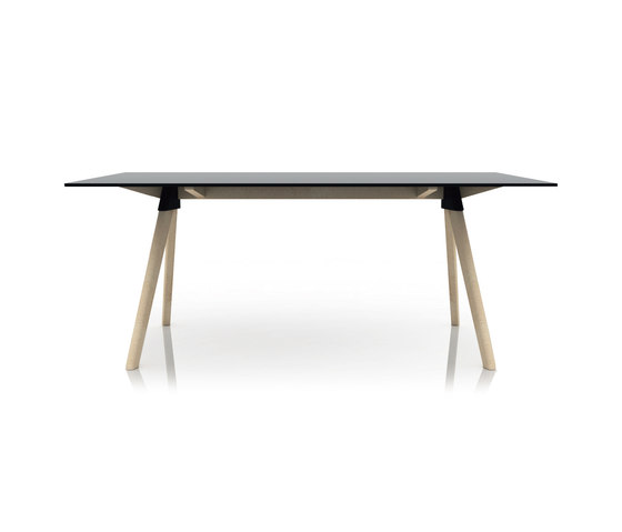 Butch by Magis | Restaurant tables