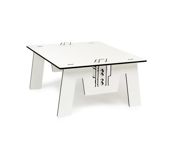 CLICLOUNGETABLE TRESPA by PeLiDesign | Dining tables