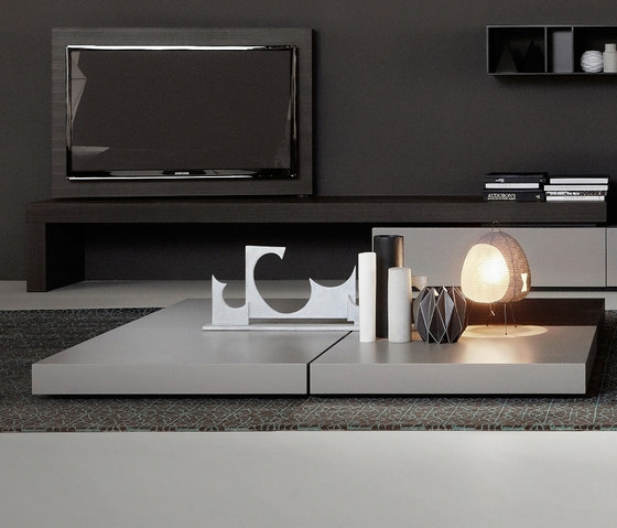 Modern Flag by PORRO | Coffee tables