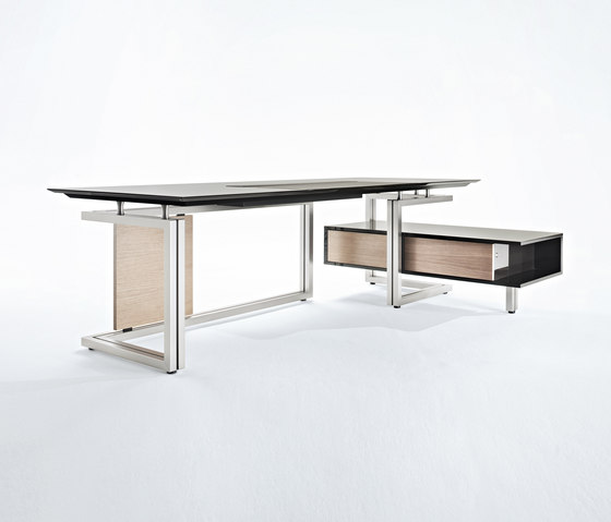 Vara desk by Tecno | Executive desks