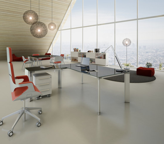 DV903-Tay 4 by DVO | Individual desks