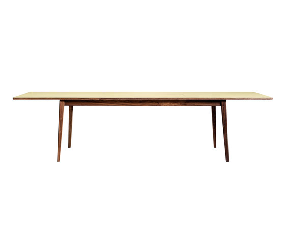 Papillon table by Brodrene Andersen | Restaurant tables