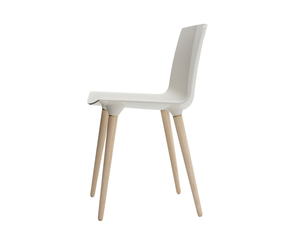The Andersen Chair by Brodrene Andersen | Restaurant chairs