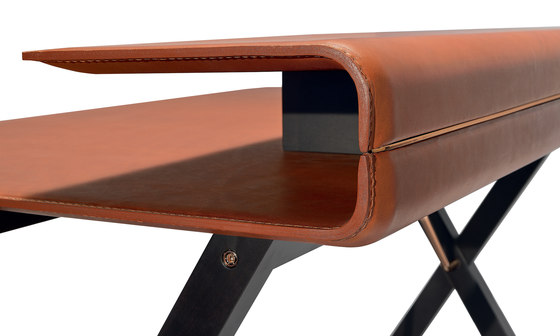 Kant desk by Frag | Desks