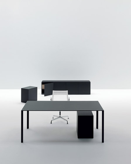 LessLess by UniFor | Individual desks