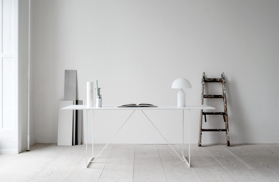 R.I.G. Table by MA/U Studio | Individual desks