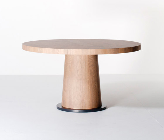 Kops dining table round by Van Rossum | Dining tables