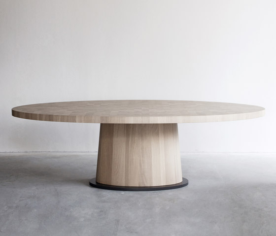 Kops dining table oval by Van Rossum | Dining tables