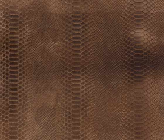 Cobra straw by Alphenberg Leather | Natural leather wall tiles