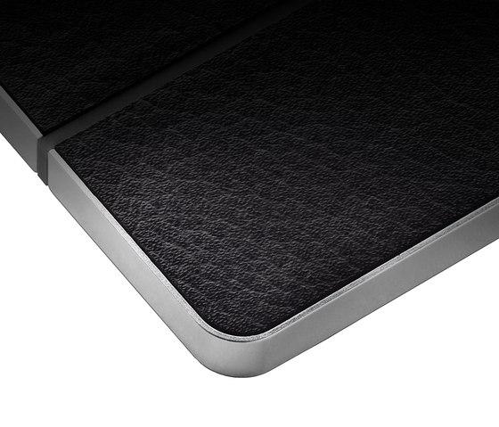 Enzo 2-way black leather di Basalte | Sistemi KNX