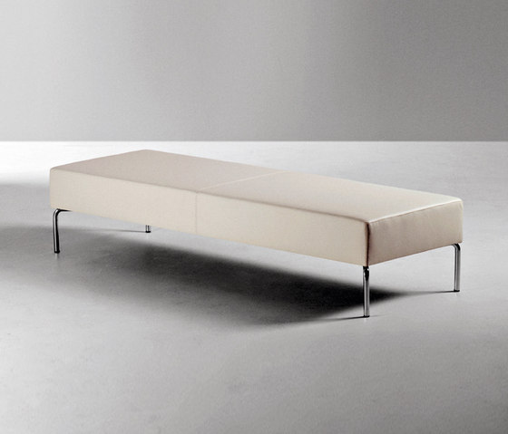 Socrate by La Cividina | Waiting area benches