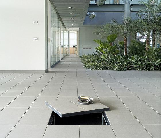 Pavimenti Sopraelevati by Marazzi Group | Ceramic panels