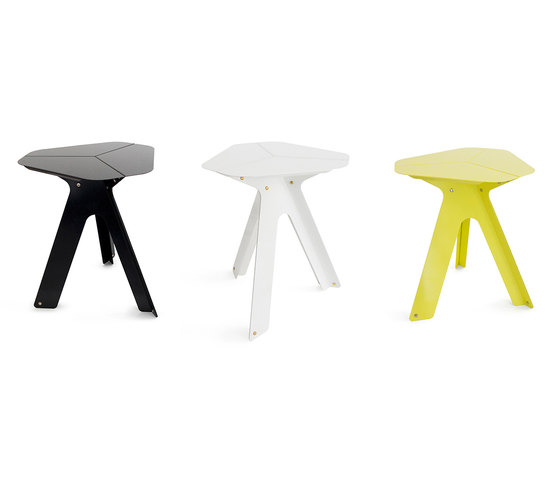 Dahlia by Gabriela Chicherio | Side tables
