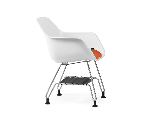 Captain´s paw chair with cushion and storage by extremis | Chairs