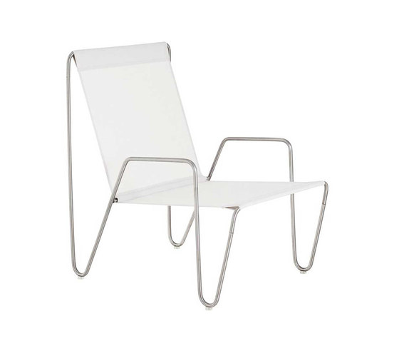 Panton Bachelor Chair | northern white by Montana Møbler | Garden armchairs