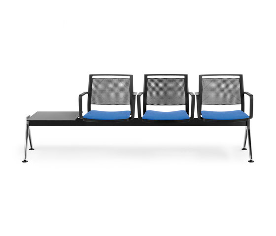 Kool by Forma 5 | Waiting area benches
