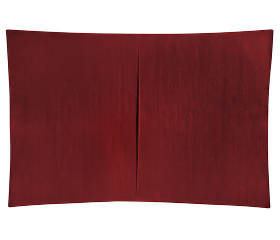 Feringe Concave red von Kateha | Formatteppiche / Designerteppiche