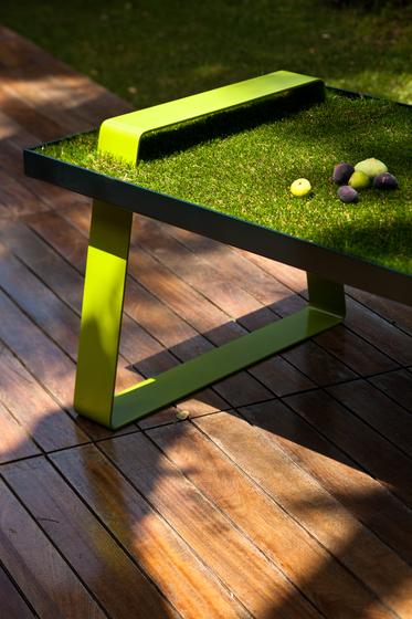 Un dejeuner sur l'herbe by Karen Chekerdjian | Side tables