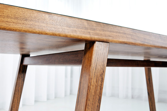 Grace by MORGEN | Restaurant tables