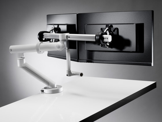 Flo Plus Dual by Colebrook Bosson Saunders | Table equipment