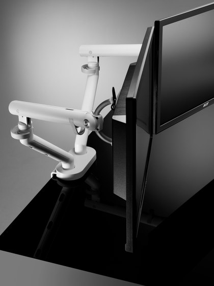 Flo Dual by Colebrook Bosson Saunders | Table equipment