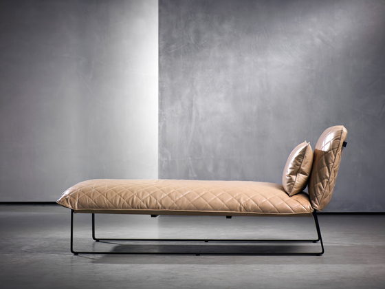 KEKKE chaise longue by Piet Boon | Chaise longues