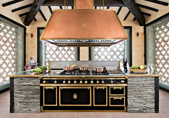 TAILOR MADE KITCHENS | JET BLACK & BURNISHED BRASS KITCHEN by Officine Gullo | Fitted kitchens