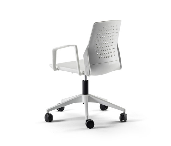 Uka Chair by actiu | Task chairs